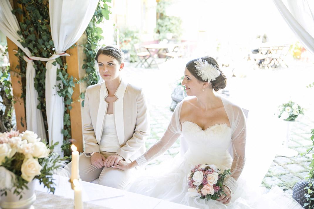 dieElfe_Hochzeitsfotograf_Baden_zwei_Brauete_two_girls_wedding-56