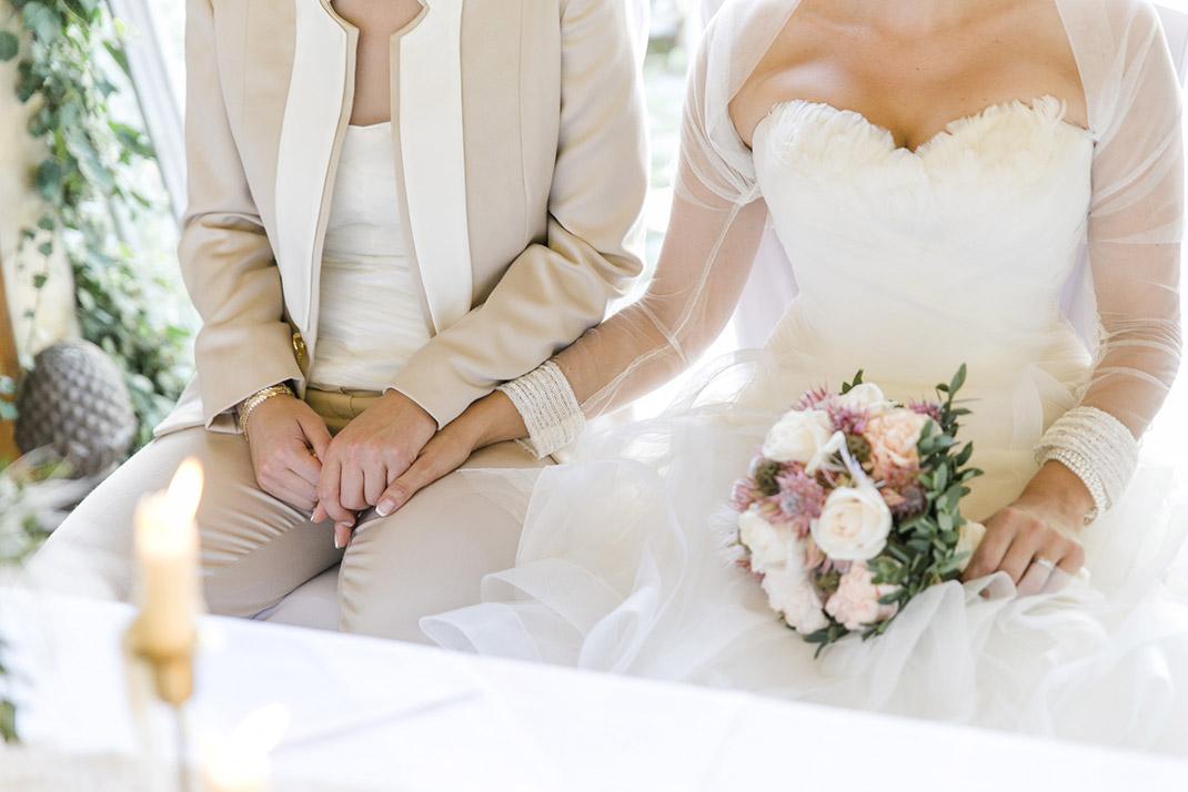 dieElfe_Hochzeitsfotograf_Baden_zwei_Brauete_two_girls_wedding-63