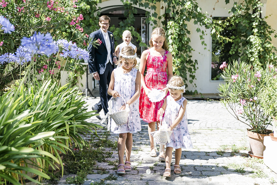 www.dieElfe.com_Hochzeitsfotograf_Gut_Oberstockstall_wedding_photography-42