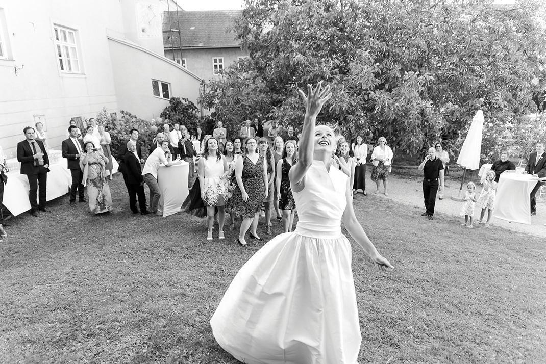 www.dieElfe.com_Hochzeitsfotograf_Gut_Oberstockstall_wedding_photography-67