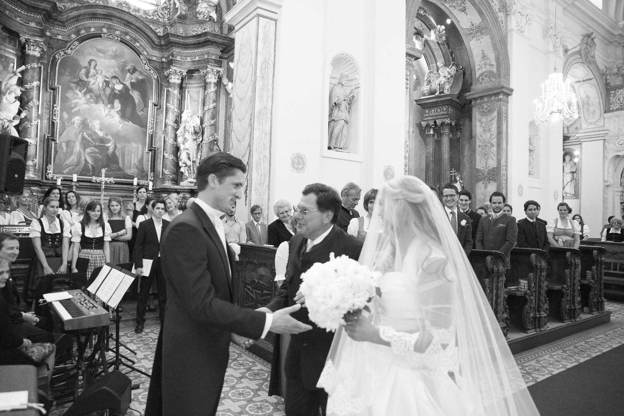www.dieElfe.com_Hochzeitsfotograf_Schloss_Laudon_Kirche_Maria_Brunn_wedding_photography-27
