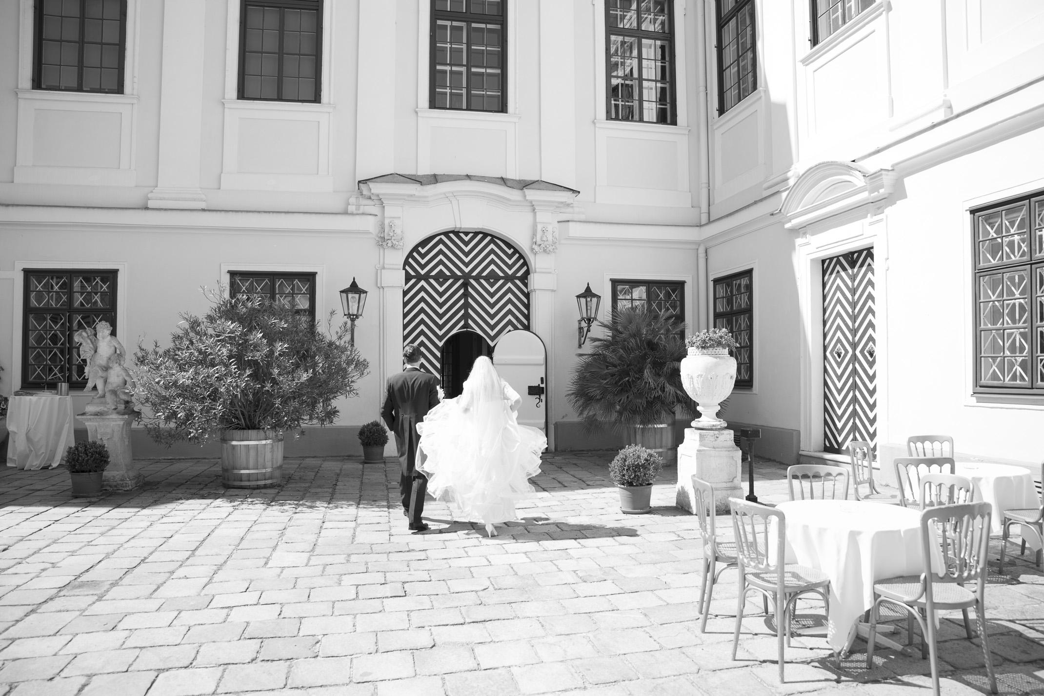 www.dieElfe.com_Hochzeitsfotograf_Schloss_Laudon_Kirche_Maria_Brunn_wedding_photography-41