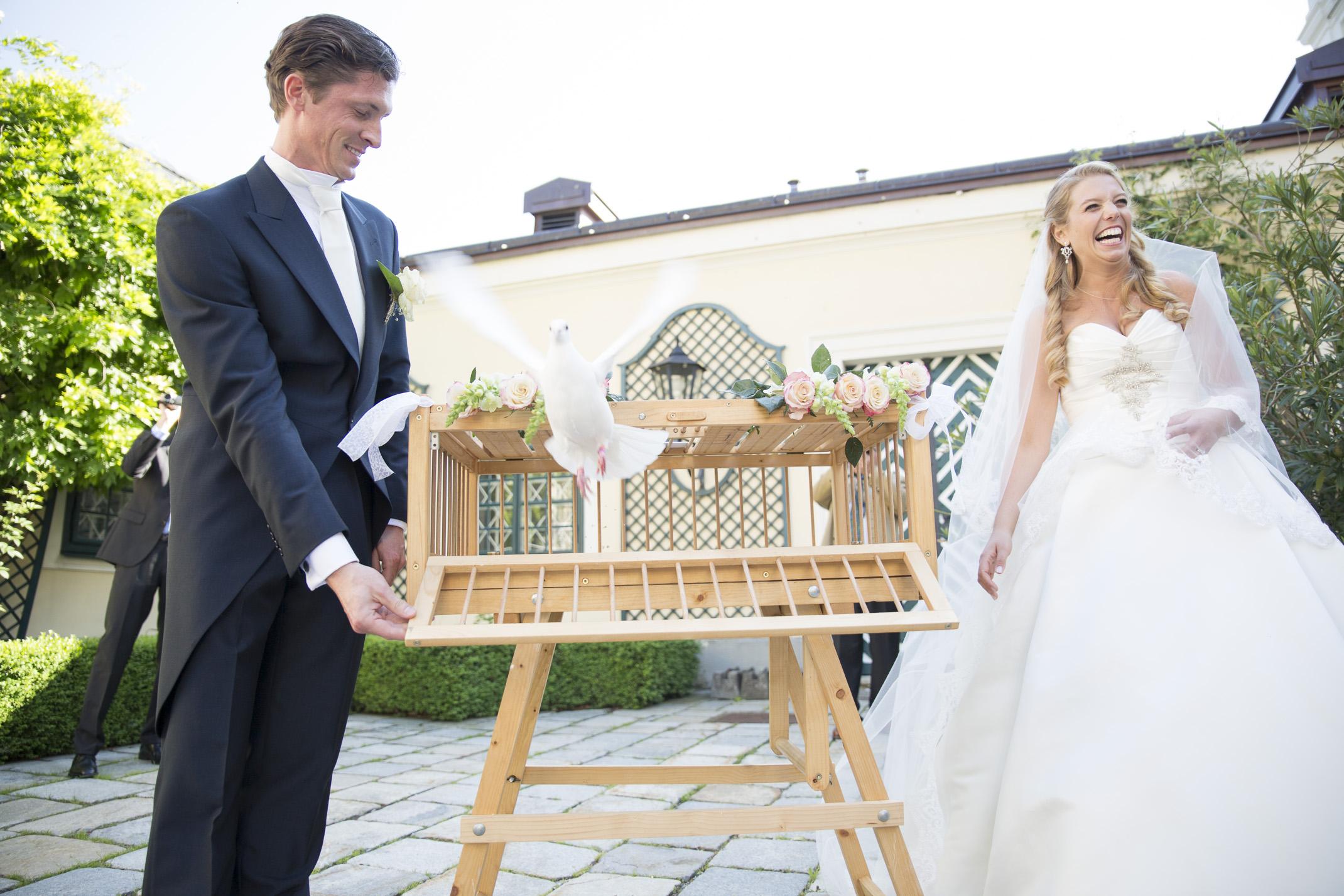 www.dieElfe.com_Hochzeitsfotograf_Schloss_Laudon_Kirche_Maria_Brunn_wedding_photography-57