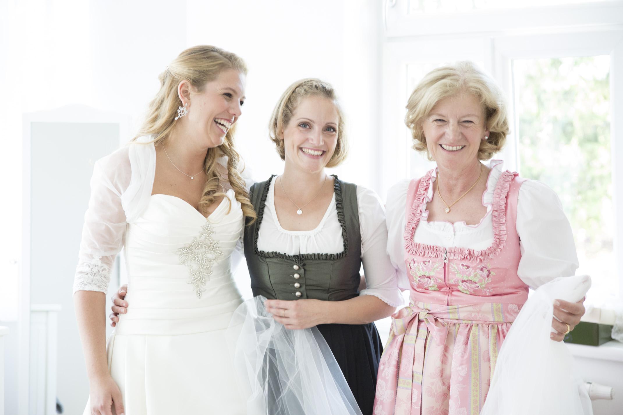 www.dieElfe.com_Hochzeitsfotograf_Schloss_Laudon_Kirche_Maria_Brunn_wedding_photography-9