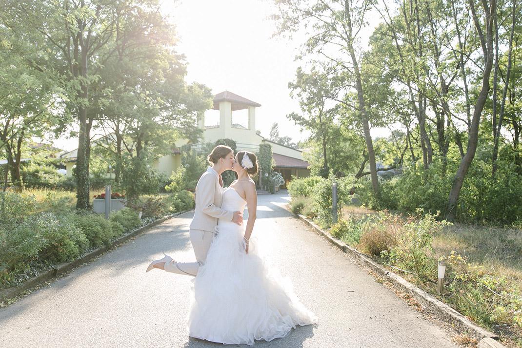 dieElfe_Hochzeitsfotograf_Baden_zwei_Brauete_two_girls_wedding-103