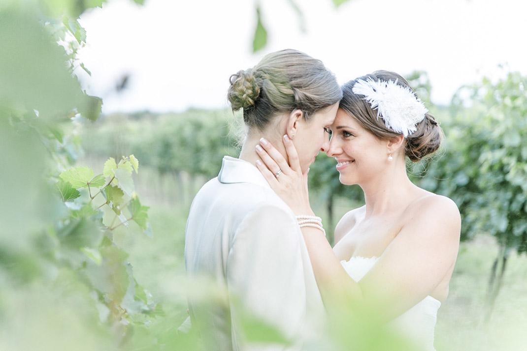 dieElfe_Hochzeitsfotograf_Baden_zwei_Brauete_two_girls_wedding-117