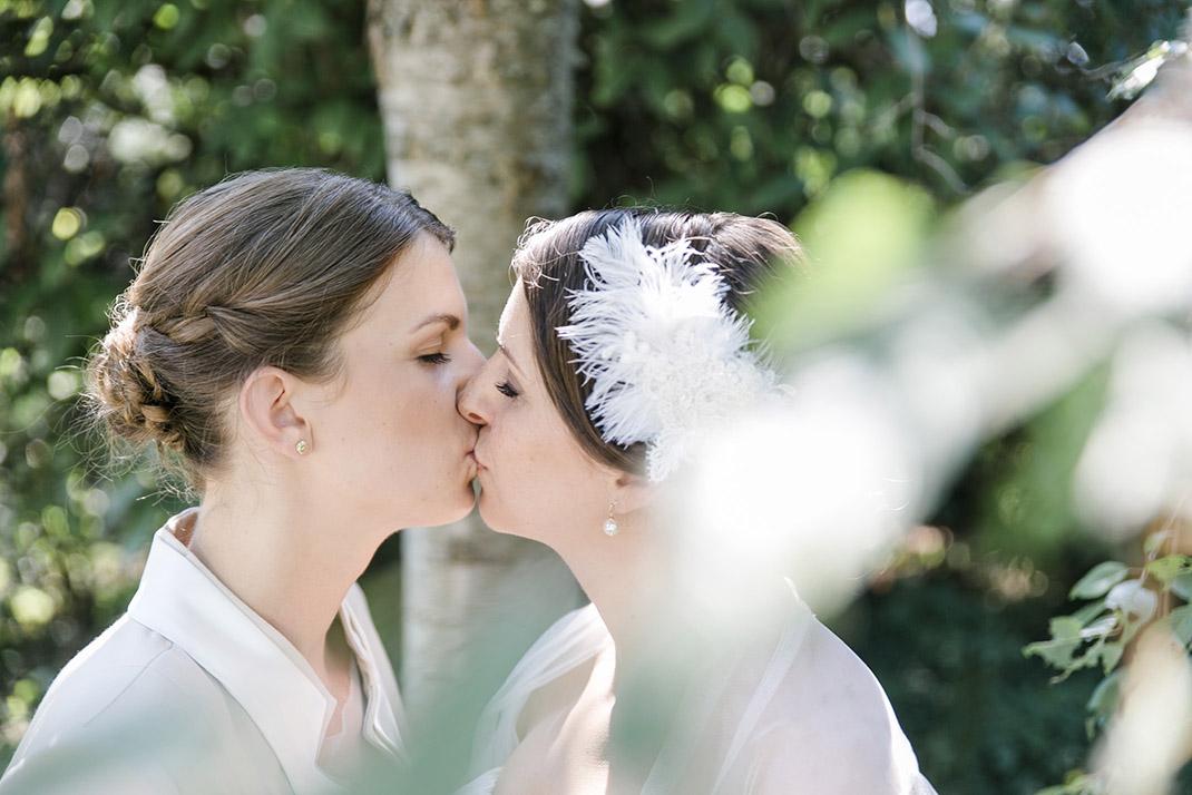 dieElfe_Hochzeitsfotograf_Baden_zwei_Brauete_two_girls_wedding-51