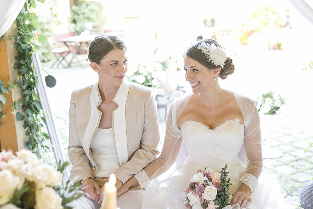 dieElfe_Hochzeitsfotograf_Baden_zwei_Brauete_two_girls_wedding-62
