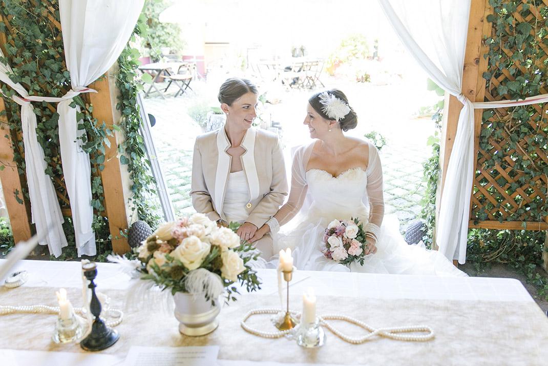 dieElfe_Hochzeitsfotograf_Baden_zwei_Brauete_two_girls_wedding-74