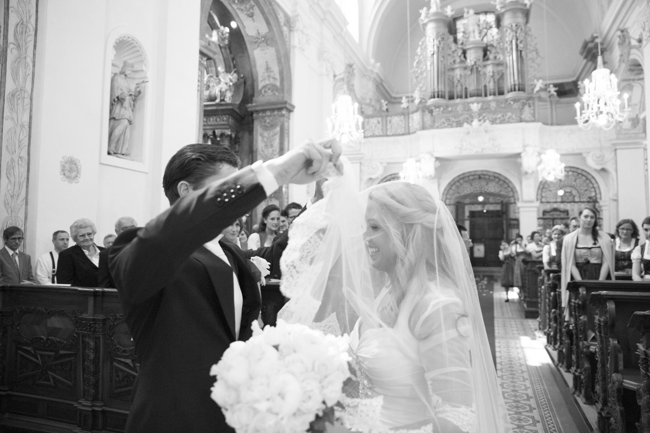 www.dieElfe.com_Hochzeitsfotograf_Schloss_Laudon_Kirche_Maria_Brunn_wedding_photography-28
