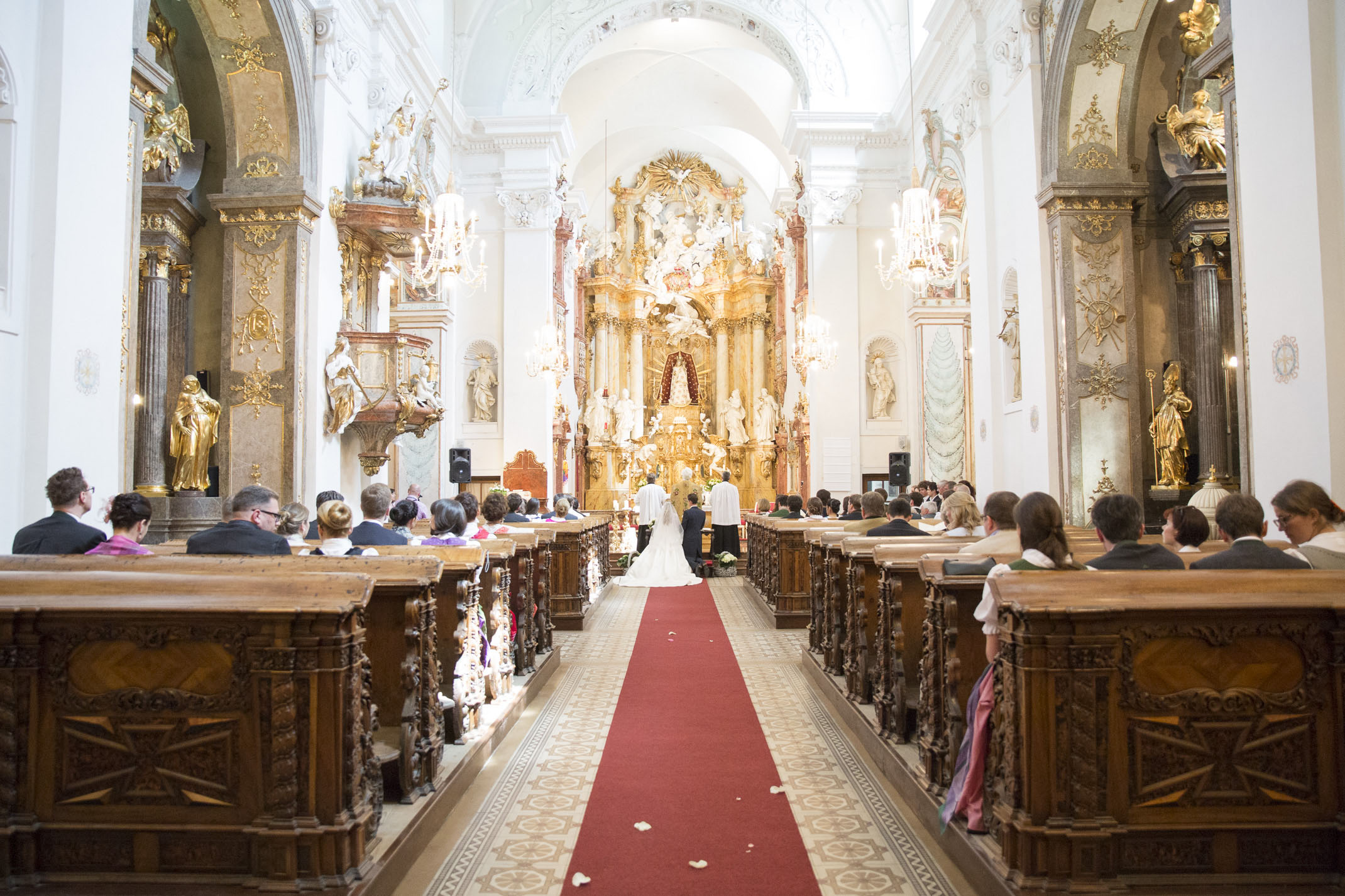 www.dieElfe.com_Hochzeitsfotograf_Schloss_Laudon_Kirche_Maria_Brunn_wedding_photography-34